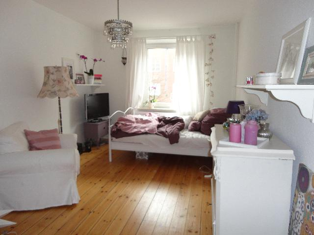 wohnung hamburg eimsb ttel heckscherstrasse 2 studenten. Black Bedroom Furniture Sets. Home Design Ideas